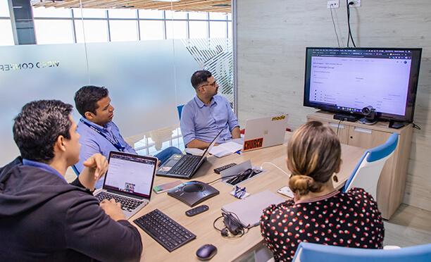 leader team meeting